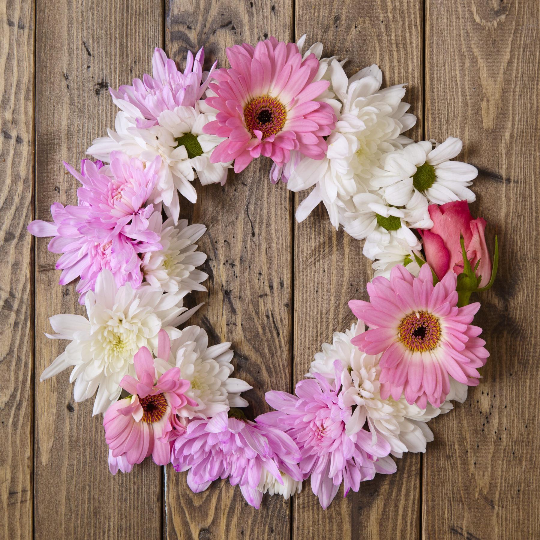 Blumen Gerbera Und Margaretenblume Blumenkränzchen Shutterstock 446366275